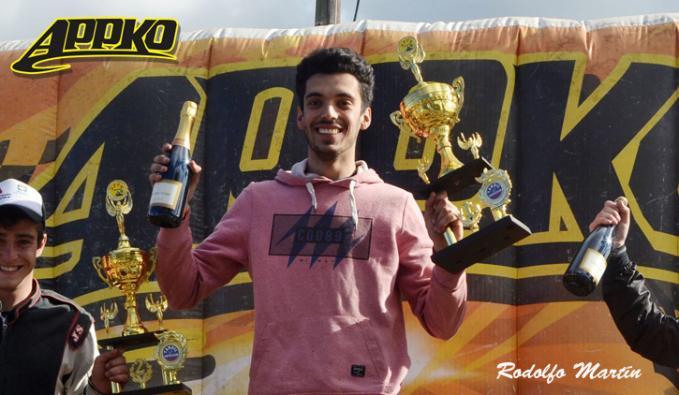 Adrián Torres llegó a su primera victoria en Máster 150