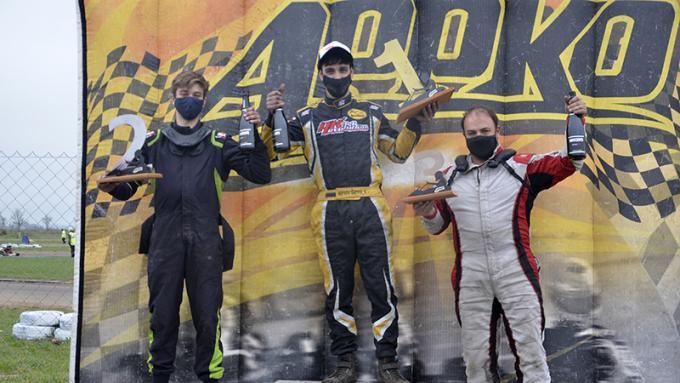 Francisco Ochoa, Marcos Barresi y Ariel Robbiani, el podio de la 8a fecha. | Fotos Javier Torres